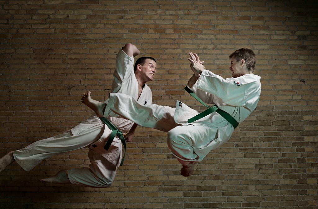 2 men attacking each other with Karate